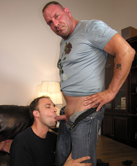 New York Straight Men: Heavy Duty Cock Service for Italian Giant Rocco