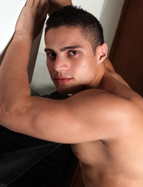 Latin Jocks: Beefed Up Stud Lopez Shows Off His Hot Stuff