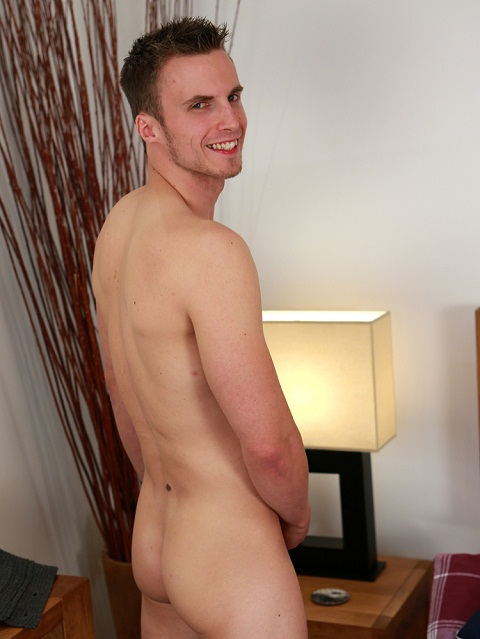 English Lads: Will's Hard Uncut Rocket Gets Exposed